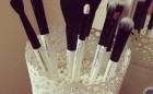 Organizujte svoje četkice za šminkanje