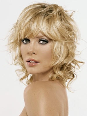 charlize_theron_hair_styles_bangs