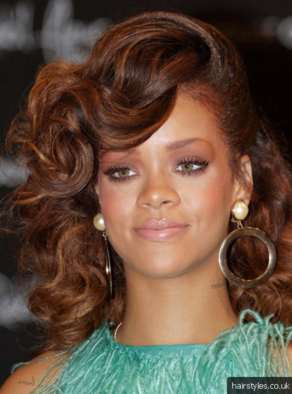 top-10-rihanna-hairstyles-2012-6