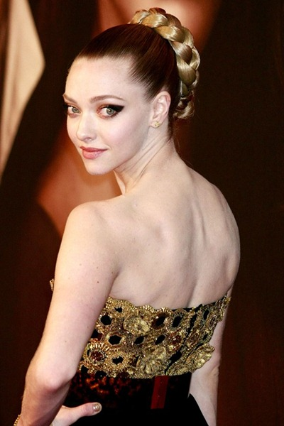 zaseyfried_gl_11dec12_rexfeatures_bt_592x888