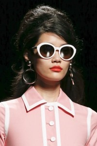 Sunglasses-Trends-for-Spring-Summer-2013-by-Moschino-200x300