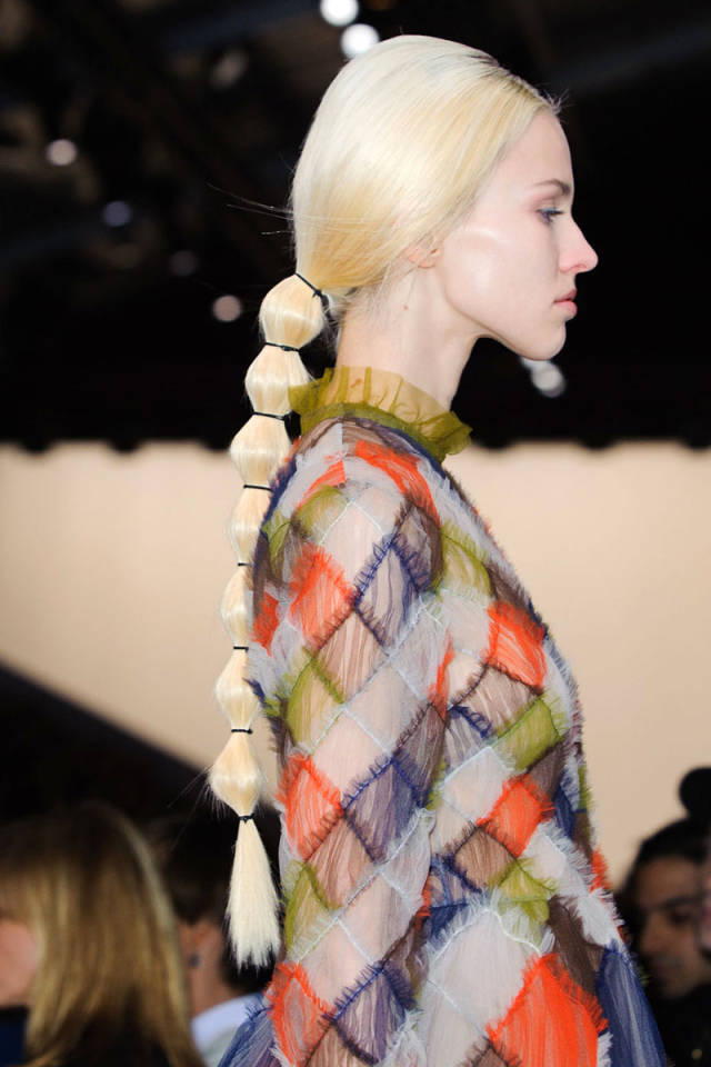 hbz-fw2014-hair-trends-ponytail-04-Valentino-clp-RF14-1751-sm