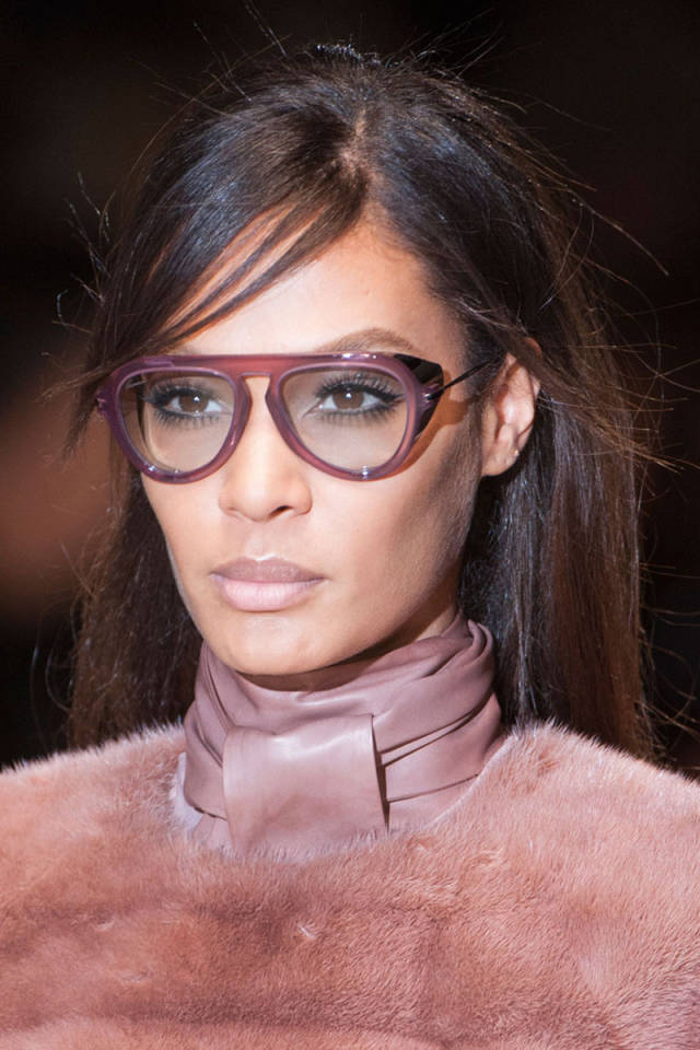hbz-makeup-trends-fw2014-60s-inspired-03-Gucci-clp-RF14-0382-sm