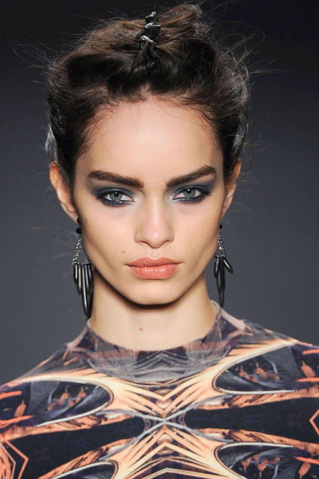 hbz-makeup-trends-fw2014-heavy-liner-01-Miller-clpi-RF14-6648-sm
