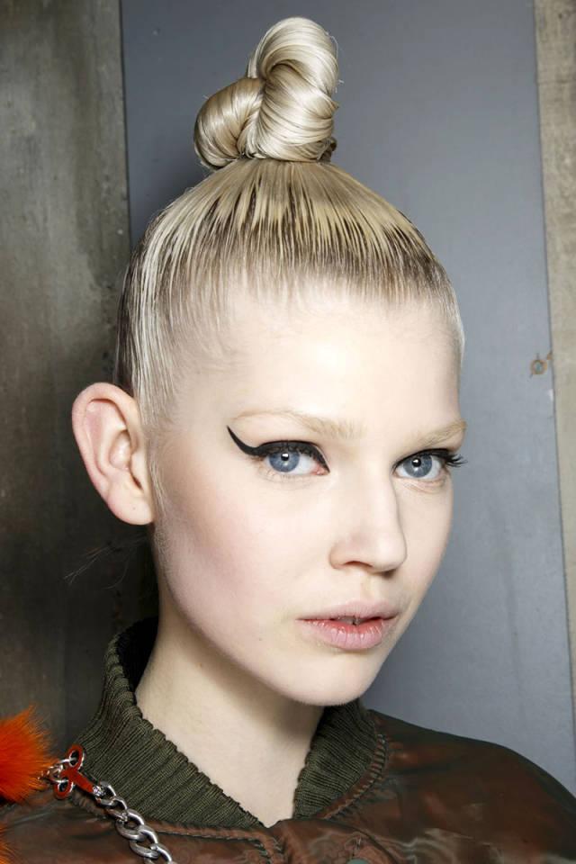 hbz-makeup-trends-fw2014-heavy-liner-09-Gaultier-bks-A-RF14-5886-sm