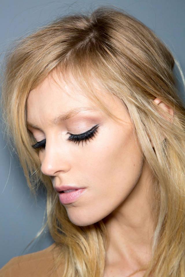 hbz-makeup-trends-fw2014-mega-lashes-04-Gucci-bks-D-RF14-1573-sm