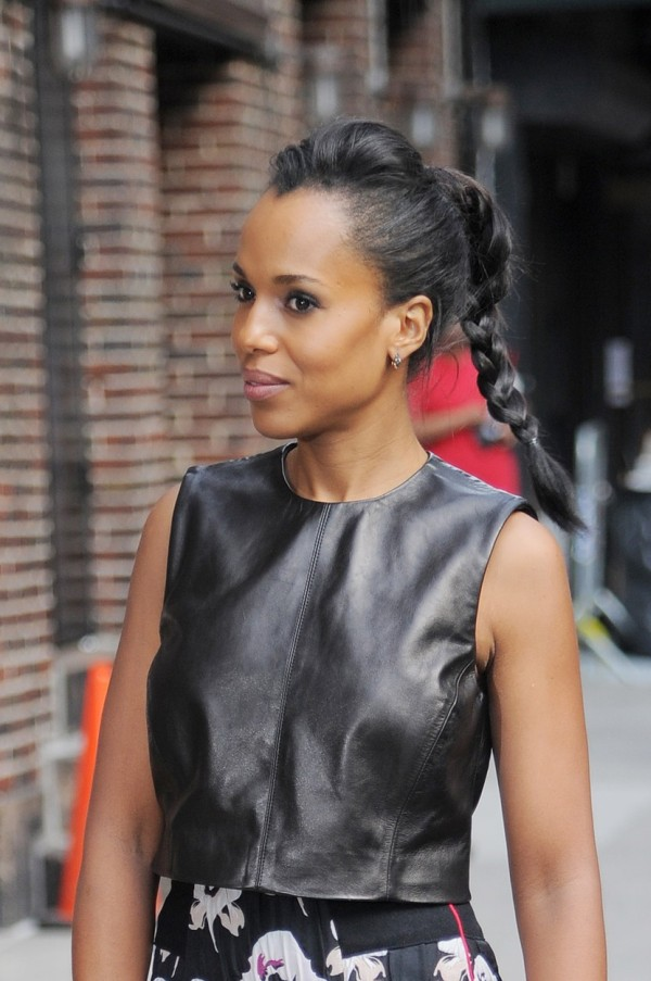 New York, NY - Kerry Washington looks beautiful and put together as she arrives at The Late Show with Stephen Colbert. The brunette beauty was recently in the headlines after a crazed fan rushed at her with excitement in NYC as she was leaving Good Morning America. Fortunately, security stepped in and was able to protect a shaken Kerry. September 25, 2015, Image: 260092477, License: Rights-managed, Restrictions: NO Brazil, Model Release: no, Credit line: Profimedia, AKM-GSI
